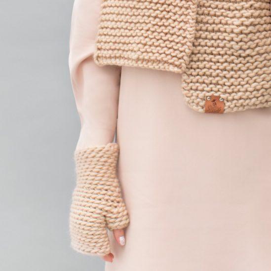 handschoen zonder vingers-ton-creme-wit-grof-gebreid-handwarmers sfeer duurzaam